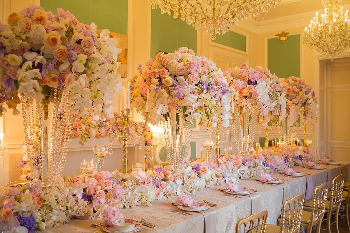 под цветы в зале торжеств фото неудовлетворительном состоянии